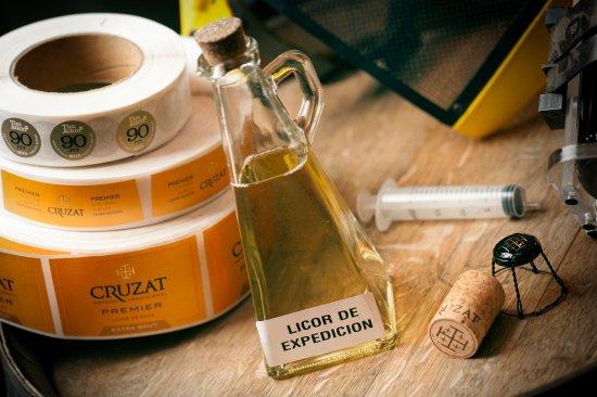 Lujan de Cuyo, Arjantin: Programa Creando Burbujas, llena y etiqueta tu propia botella