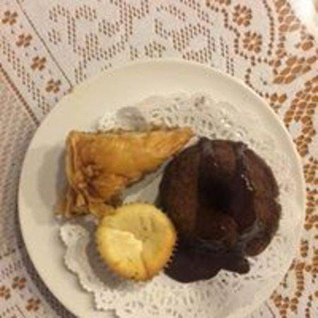 มอร์แกนทาวน์, เวสต์เวอร์จิเนีย: Wide variety of mini sweets