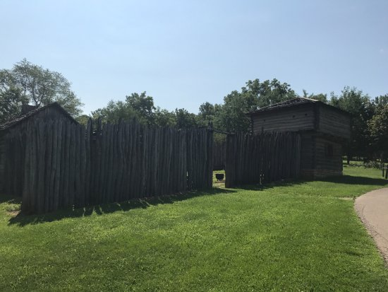 Elizabeth, IL: The reconstructed fort