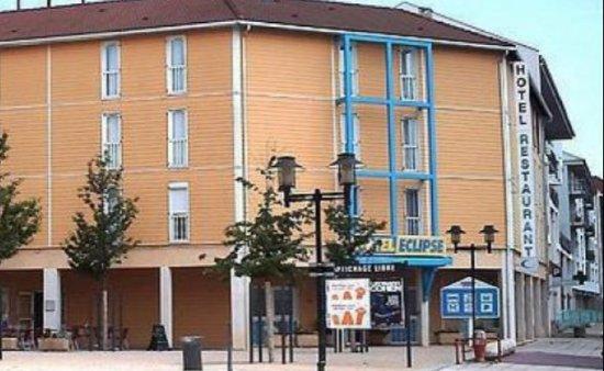 Decines-Charpieu, Francja: 20170724_201940_large.jpg