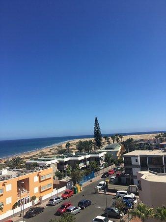 Apartamentos El Palmar: View from terrace - can see the Maspalomas Dunes