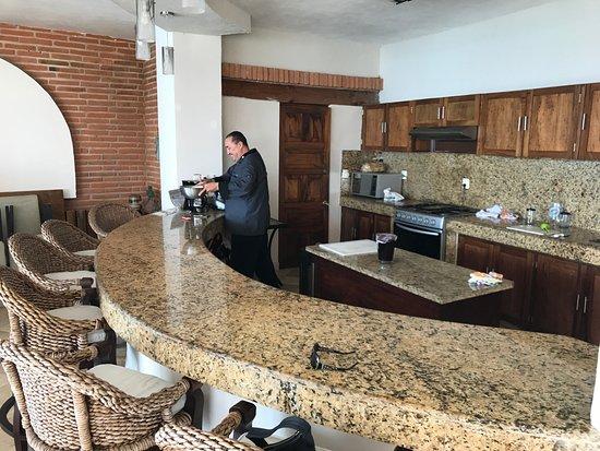 Vallarta Shores: Chef Felix in the kitchen