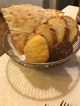 Lidt stemningens billeder af mad, vin og restauranten