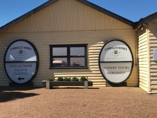 Wine Country Tours: Hunter valley wine tour