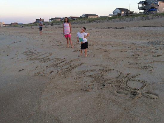 Kill Devil Hills, Carolina del Norte: Our mark in the sand, KDH, OBX