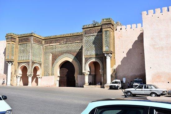 Bab Mansour Gate : View