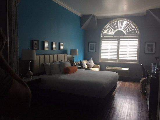 BLVD Hotel & Suites: great room