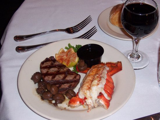 Peppermill Restaurant: SURF AND TURF