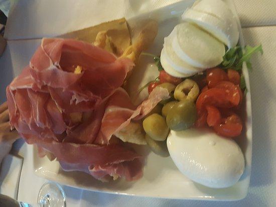 20170722_211243_large.jpg - Picture of Pizzeria Ristorante La ...