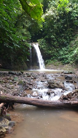 Santiago de Puriscal, Costa Rica: Waterfall on the property