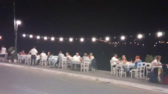 Yialos, Yunanistan: 20170724_232124_large.jpg