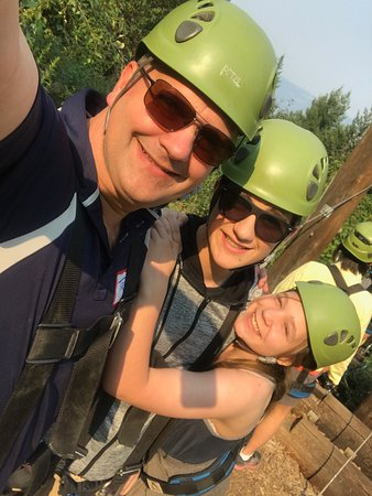 Lake Country, Canadá: Great family time at Oyama Zipline!