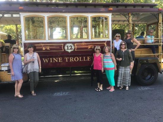 Sonoma Valley Wine Trolley: Girlfriend trip