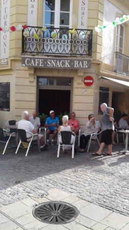 Cafe Tortoni : Marché  nocturne  , tout  les mardis soirs