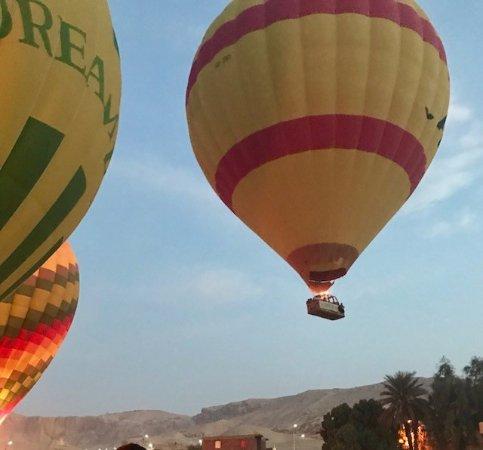 Magic Horizon Hot Air Balloons: Once ready , many balloons fly away together ...