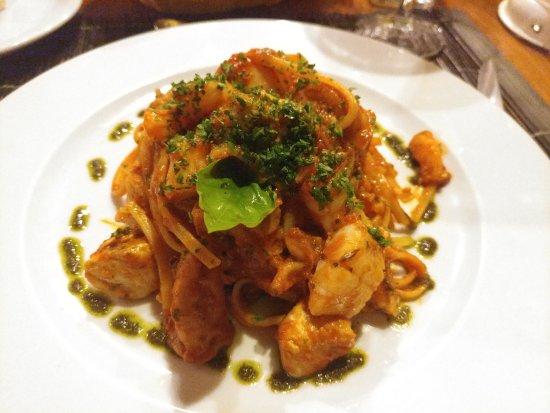 Laluna: Seafood pasta wasn't bad