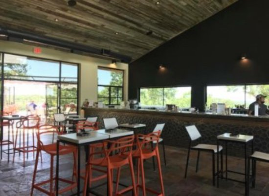 Muenster, TX: Inside the Wind Shed Tasting Room at 4R Ranch Vineyards and Winery