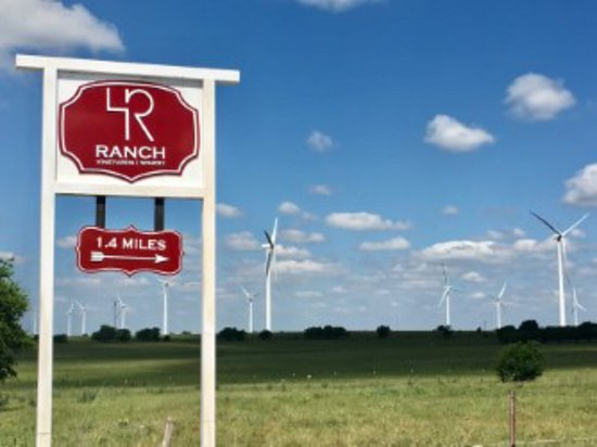 Muenster, TX: You are really close now!  4R Ranch Vineyards and Winery is just 1.4 more miles from here