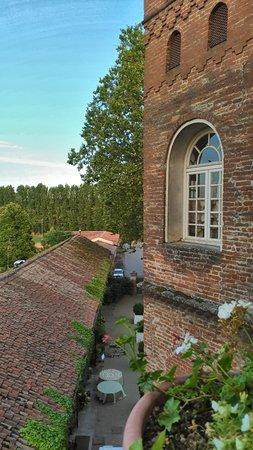 Oviglio, Ιταλία: Panorama dalla terrazza dell'entrata