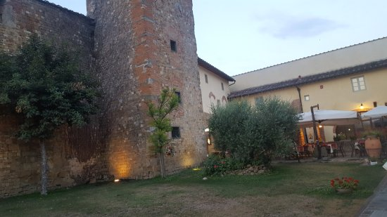 Ginestra Fiorentina, อิตาลี: 20170720_205118_001_large.jpg