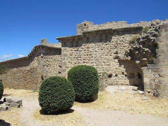 Château de Peyrepertuse : Внутренний двор