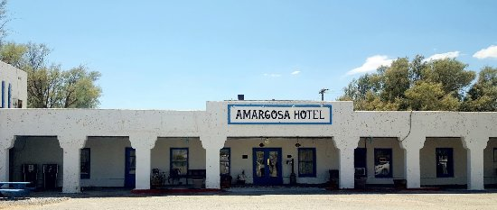 Amargosa Opera House and Hotel: Front of the hotel