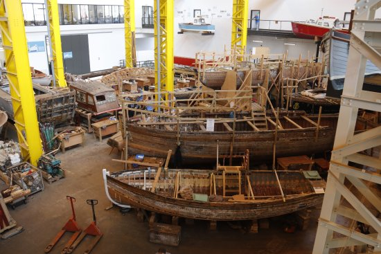 Portsmouth Historic Dockyard: Work in the boathouse