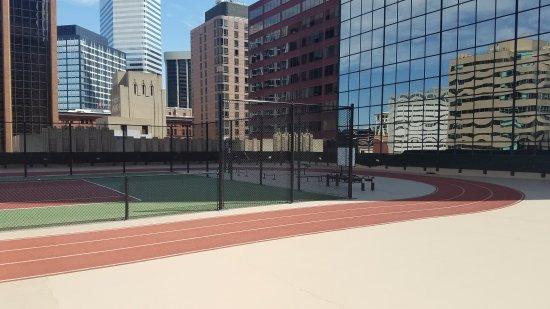 Grand Hyatt Denver Downtown: Skycourt jogging track and tennis court.