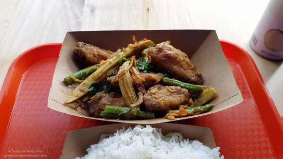 New Westminster, Canadá: Three Flavour Chicken Wings