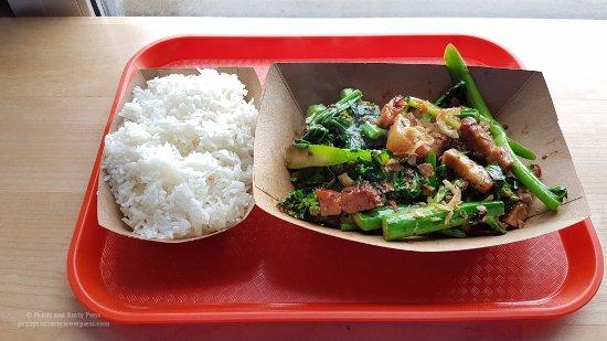 New Westminster, Canadá: Stir-fried Gai Lan and Pork Belly