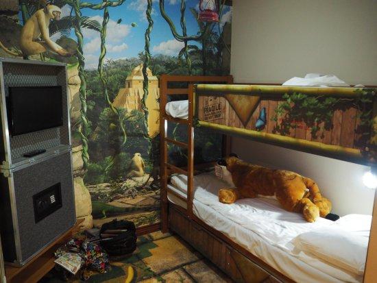 Chessington, UK: Azteca Hotel summit room