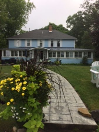 Mecosta, MI: The Blue Lake Lodge B&B