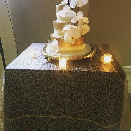 Omg I Went On Pinterest To Select Unique Wedding Cake Ideas