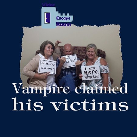 Vidor, TX: Vampire Lair  group of friends