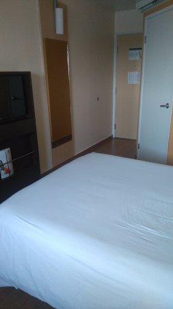 Hotel Ibis Merida: Pequeña habitación