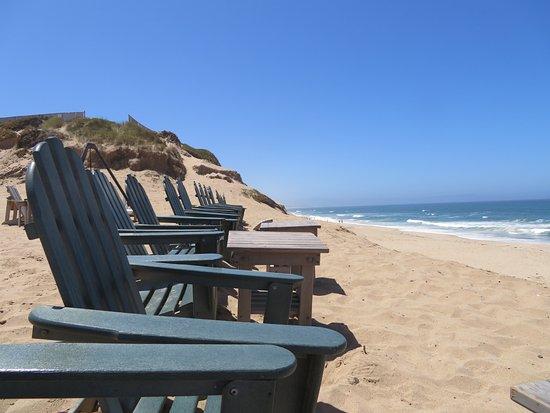 Marina, كاليفورنيا: Adirondack chairs fronting the beach