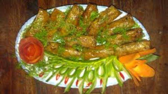 Ninh Binh Province, Vietnam: Nem thịt món ăn dân dã cho bữa cơm của cho du khách