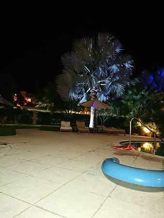 Villa del Mar: Night views