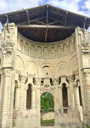 L'lle-Bouchard, Francia: Un endroit charmant