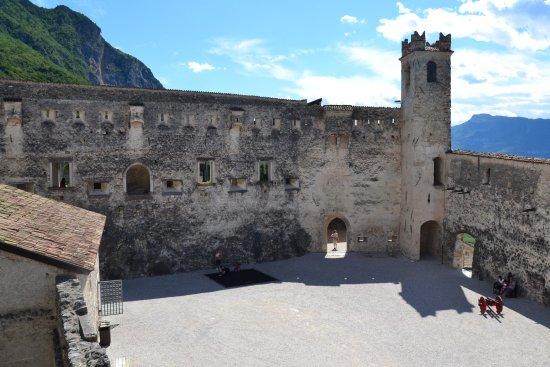 Besenello, Italien: Piazza d'armi