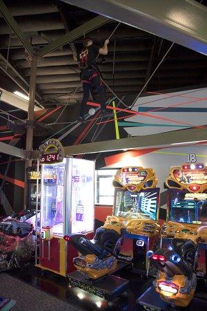 La Quinta, CA: Ropes course super fun but scary