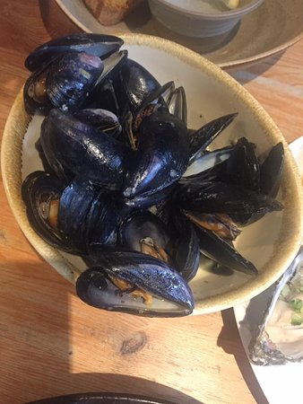 Newborough, UK: Excellent mussels
