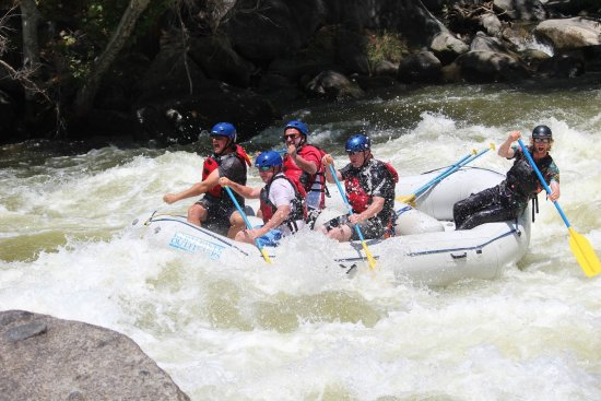 Wofford Heights, Californien: Class IV rapids... not much class in the boat though.. ;)