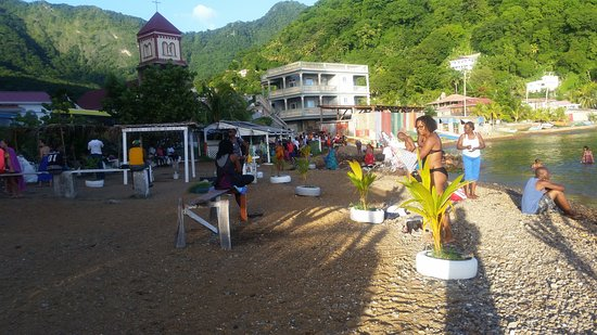Soufriere, Dominica: Bubble Beach Spa