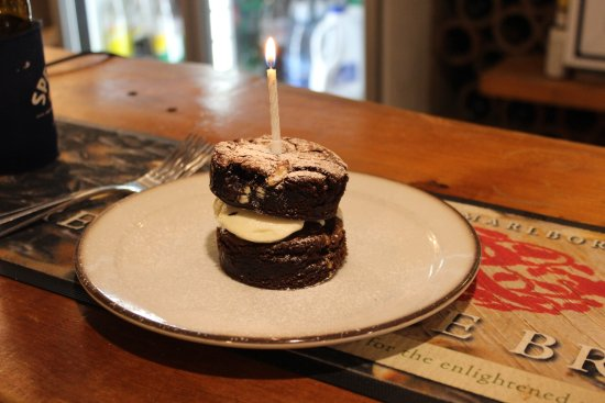 Endeavour Inlet, Selandia Baru: The birthday cake