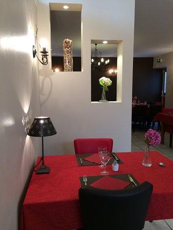 Nouvelle déco pour la grande salle de Restaurant - Photo de La ...