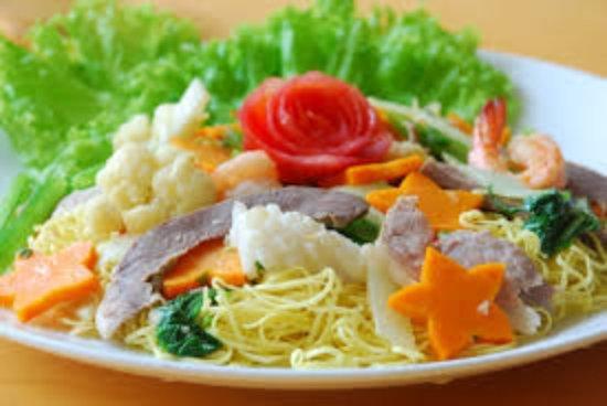 Ninh Binh Province, Vietnam: Mỳ xào thập cẩm _ món ăn được du khách Âu ưa thích