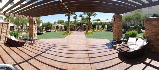 Eureka Casino Resort: Pool Area