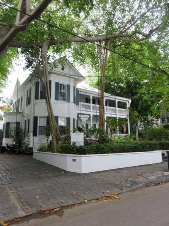 picture of the banyan resort key west. Black Bedroom Furniture Sets. Home Design Ideas