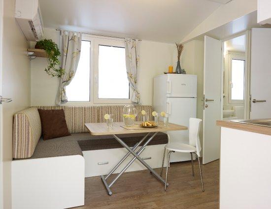 mobile homes adria ankaran bewertungen fotos. Black Bedroom Furniture Sets. Home Design Ideas